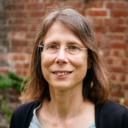 Dr Cathy Bartram